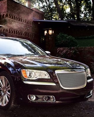 Free Chrysler 300 2012 Picture for 640x1136