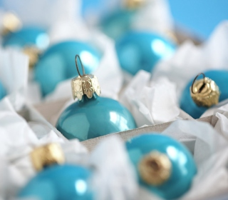 Free Turquoise Christmas Tree Balls Picture for 208x208