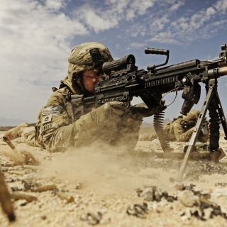 Soldier with M60 machine gun Background for LG KP105