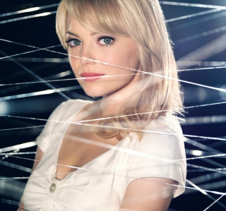 Free Emma Stone As Gwen Stacy Picture for iPad mini