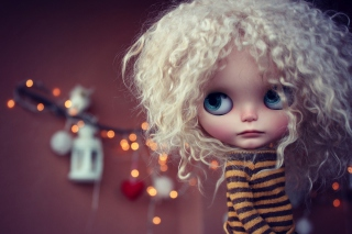 Cute Curly Doll Picture for Android, iPhone and iPad