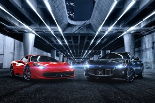 Free Ferrari compare Maserati Picture for Android, iPhone and iPad