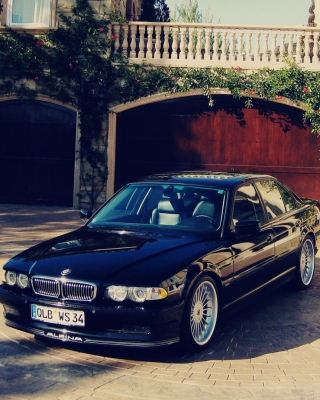 BMW 7 Series E38 Background for 640x1136
