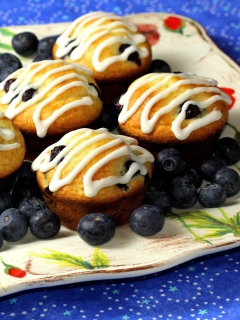 Das Blueberry Muffins Wallpaper 240x320