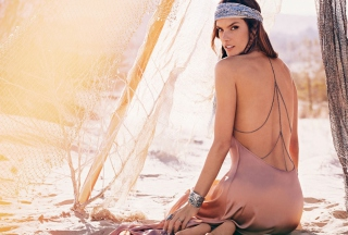 Alessandra Ambrosio Super Model Wallpaper for Android, iPhone and iPad