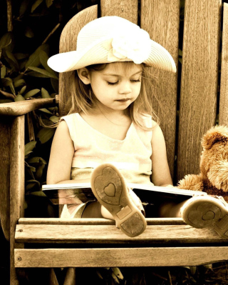 Little Girl Reading Book sfondi gratuiti per Nokia Asha 306