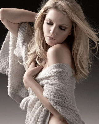 Blond Young Woman Wallpaper for Nokia C7