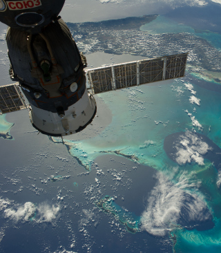 Soyuz Spacecraft sfondi gratuiti per 320x480