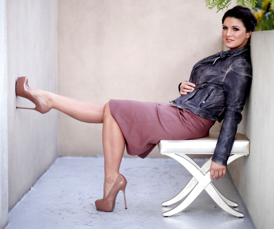 Screenshot №1 pro téma Gina Carano on High Heels 960x800