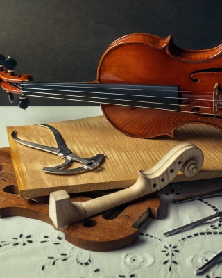 Violin making Wallpaper for 480x640
