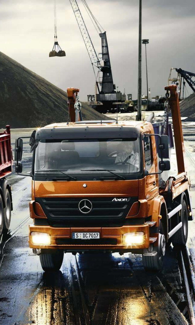 Sfondi Mercedes Trucks 768x1280