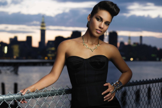 Free Alicia Keys Picture for Android, iPhone and iPad