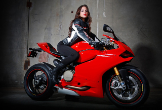 Free Biker Girl Picture for Android, iPhone and iPad