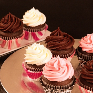 Free Cupcakes with Creme Picture for iPad 3
