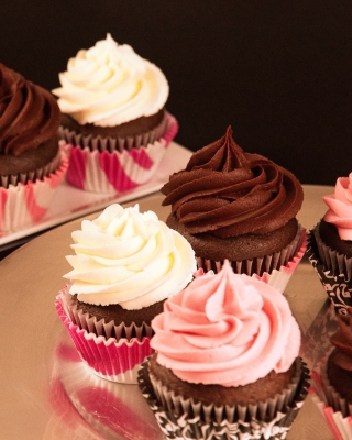 Cupcakes with Creme sfondi gratuiti per iPhone 4S