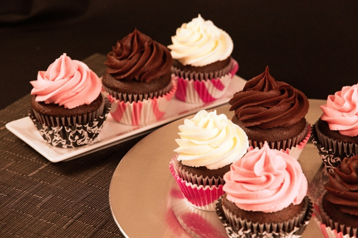 Cupcakes with Creme wallpaper