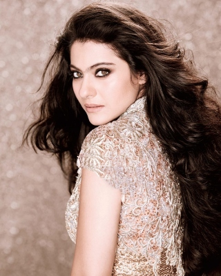Kajol Devgan Background for Nokia 5800 XpressMusic