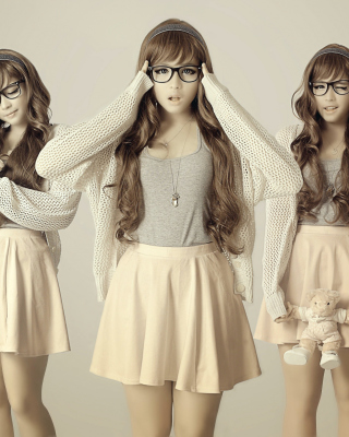 Girl In Funny Glasses Background for Nokia C1-01