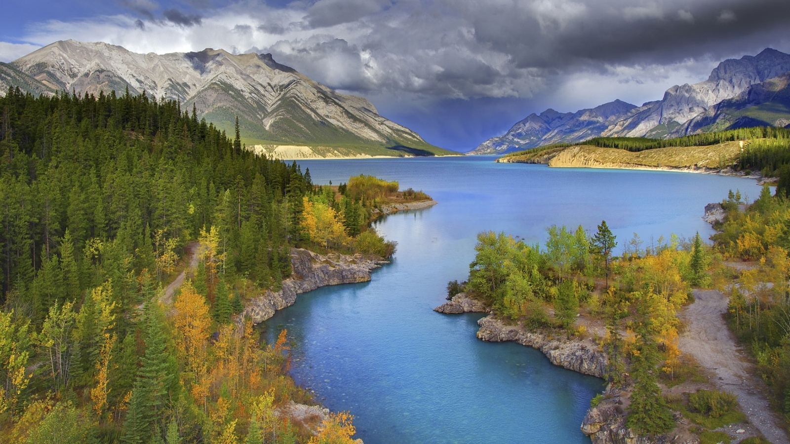 Screenshot №1 pro téma Banff National Park in Canada 1600x900