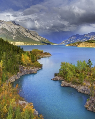 Banff National Park in Canada sfondi gratuiti per 320x480