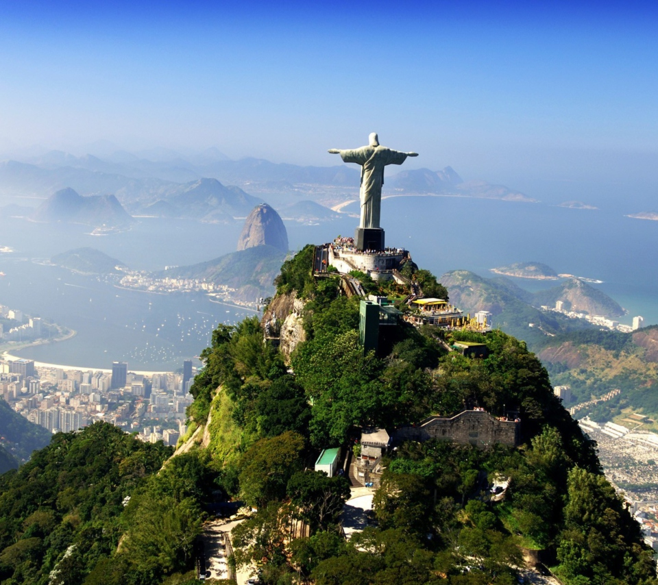 Statue Of Christ On Corcovado Hill In Rio De Janeiro Brazil para Sony Ericsson XPERIA PLAY