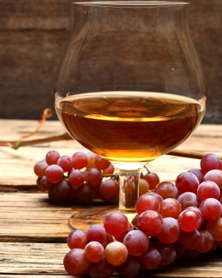 Free Cognac and grapes Picture for Nokia Lumia 925