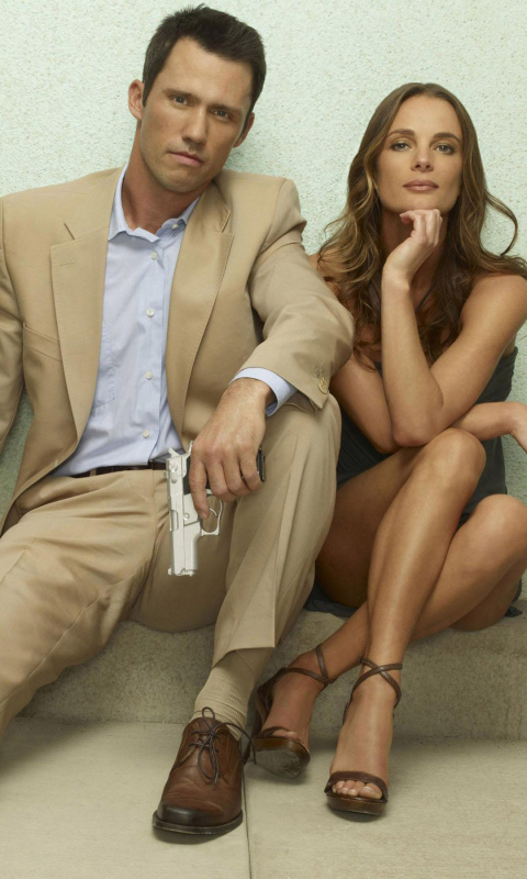 Burn Notice TV Series with Gabrielle Anwar as Fiona Glenanne and Jeffrey Donovan as Michael Westen wallpaper 480x800