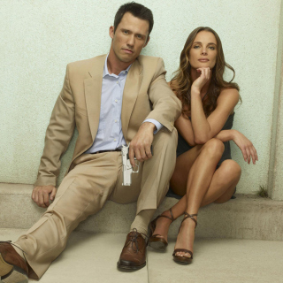 Burn Notice TV Series with Gabrielle Anwar as Fiona Glenanne and Jeffrey Donovan as Michael Westen - Obrázkek zdarma pro iPad