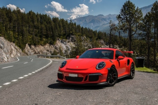 Free Porsche 911 GT3 RS Picture for Sony Xperia Z1