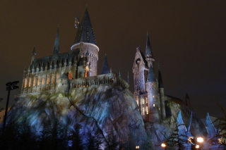Hogwarts Castle Picture for Android, iPhone and iPad