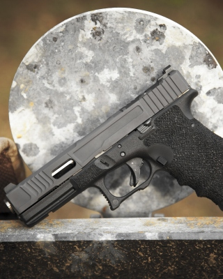 Glock 17 Austrian Pistol Background for 240x320
