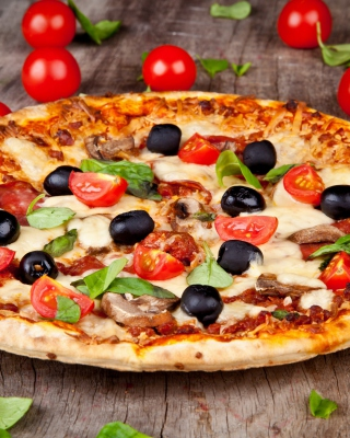 Pizza with tomatoes and olives - Fondos de pantalla gratis para 640x960