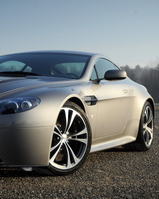 Aston Martin V8 Vantage Wallpaper for 240x320