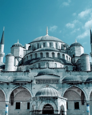 Kostenloses Sultan Ahmed Mosque in Istanbul Wallpaper für Nokia Asha 308