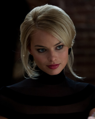 Kostenloses Margot Robbie - The Wolf Of Wall Street Wallpaper für Nokia Lumia 800