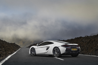 Free McLaren 570GT 2018 Picture for Android 2560x1600