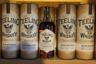 Teelings Whiskey Background for Android, iPhone and iPad