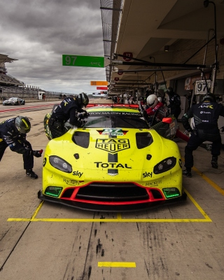 Free Aston Martin Racing Picture for 132x176