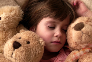 Child Sleeping With Teddy Bear - Fondos de pantalla gratis para HTC EVO 4G