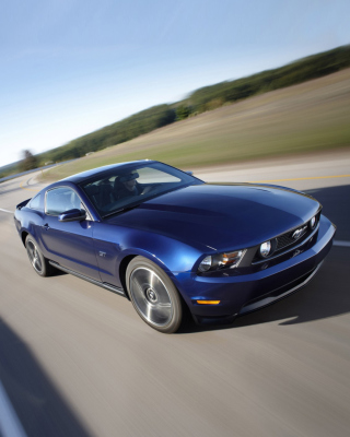Free Blue Mustang V8 Picture for 360x640