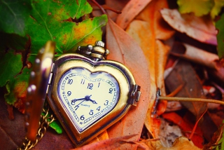 Vintage Heart-Shaped Watch Wallpaper for Android, iPhone and iPad