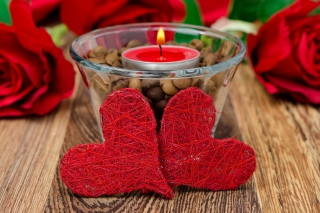Red Hearts And Candle sfondi gratuiti per 1920x1408