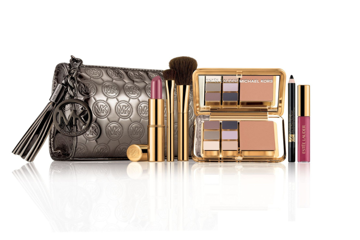 Estee Lauder with Eye Shadow wallpaper