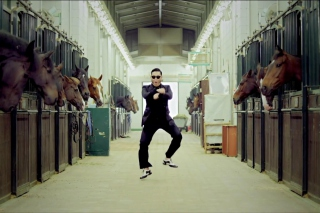 Free Gangnam Style Dancing Picture for Android, iPhone and iPad