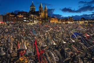 Amsterdam Bike Parking sfondi gratuiti per Samsung Galaxy Note 2 N7100