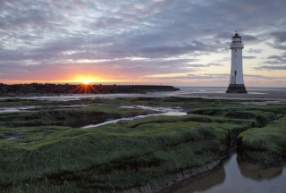 Lighthouse Landscape Picture for Android, iPhone and iPad