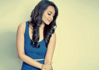 Sonakshi Sinha Picture for Android, iPhone and iPad