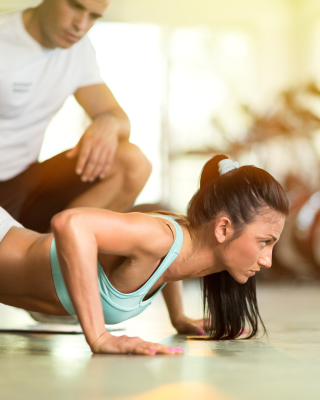 Pushups as fitness and workout - Obrázkek zdarma pro iPhone 6 Plus