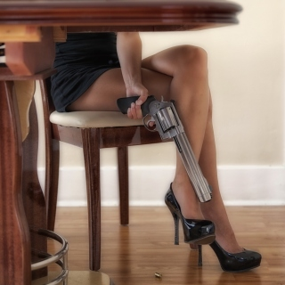 Girls Legs and Revolver - Fondos de pantalla gratis para iPad 2