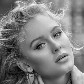 Free Zara Larsson Swedish singer Picture for iPad 3